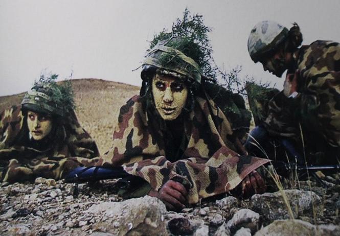Muôn màu quân phục ngụy trang của quân đội thế giới - ảnh 8