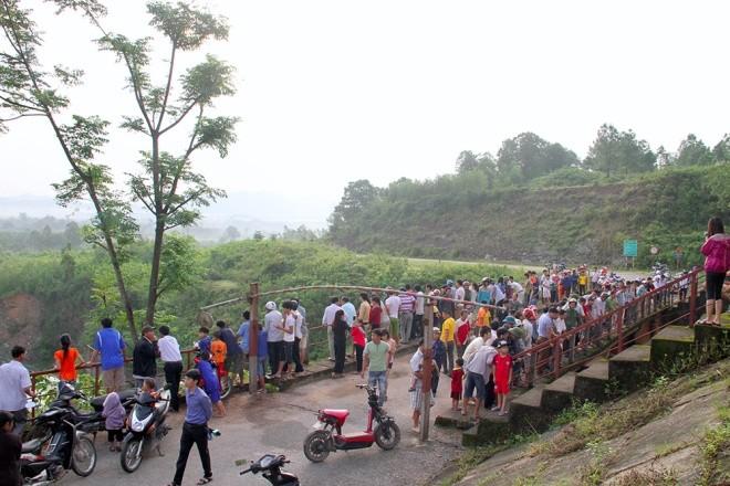 Mục kích xả tràn hồ Kẻ Gỗ, sẵn sàng sơ tán 2.000 dân - ảnh 4