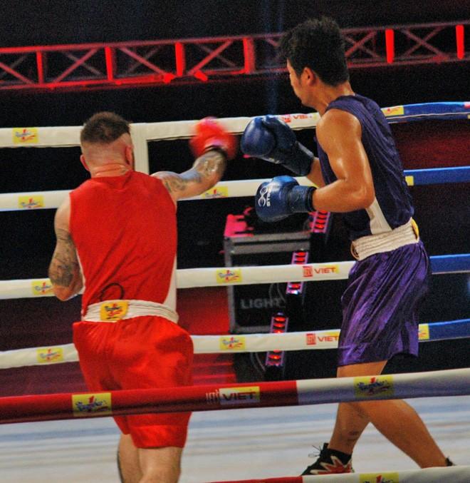 Ấn tượng võ sĩ Việt Nam 19 tuổi hạ võ sĩ Bắc Ai Len - ảnh 7