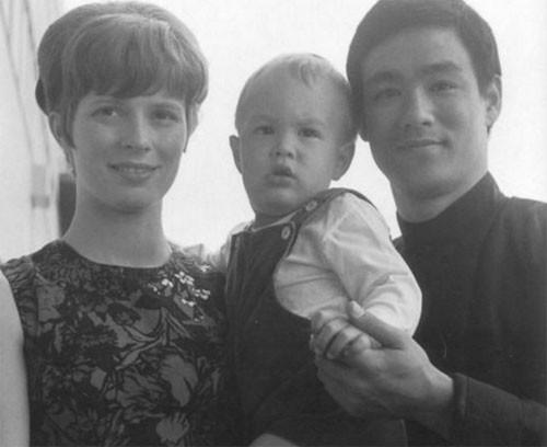 Khoảnh khắc đời thường của Lý Tiểu Long bên vợ con - ảnh 2