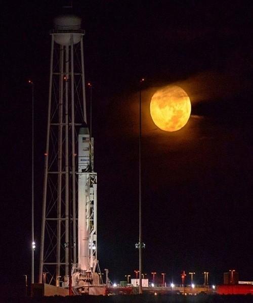 Siêu trăng vừa xuất hiện trên bầu trời các nước - ảnh 4