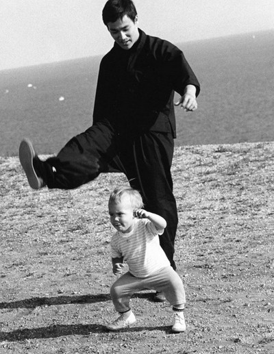 Khoảnh khắc đời thường của Lý Tiểu Long bên vợ con - ảnh 5