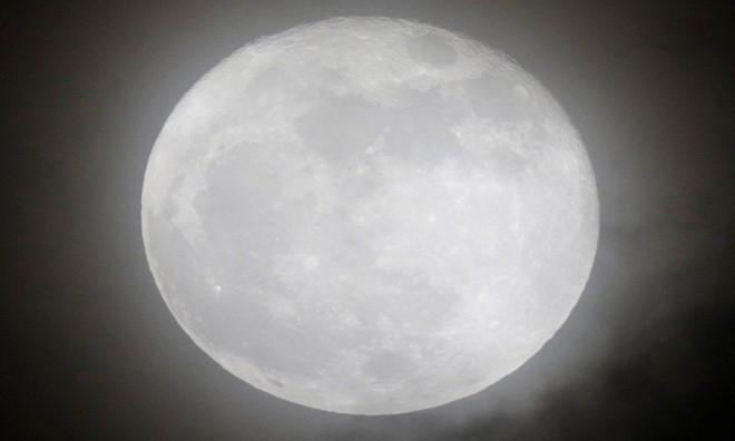 Siêu trăng vừa xuất hiện trên bầu trời các nước - ảnh 8