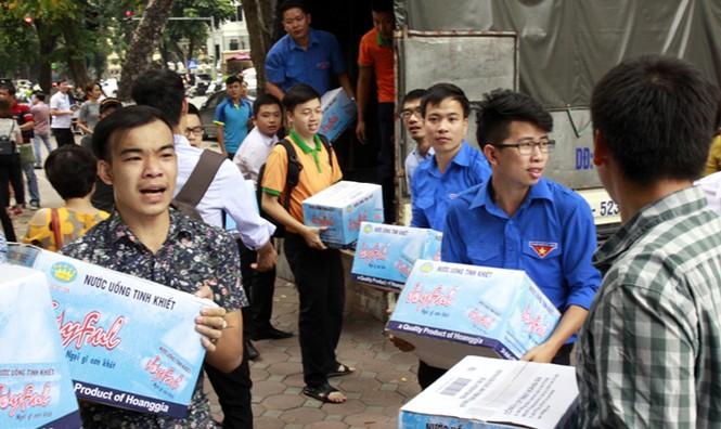 Tuổi trẻ Thủ đô chung tay cứu trợ miền Trung - ảnh 2