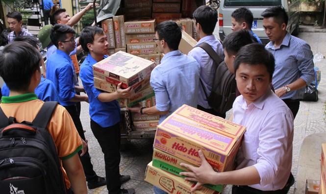 Tuổi trẻ Thủ đô chung tay cứu trợ miền Trung - ảnh 1