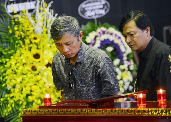 Gia đình, đồng nghiệp nghẹn ngào ở đám tang NSƯT Phạm Bằng - ảnh 6