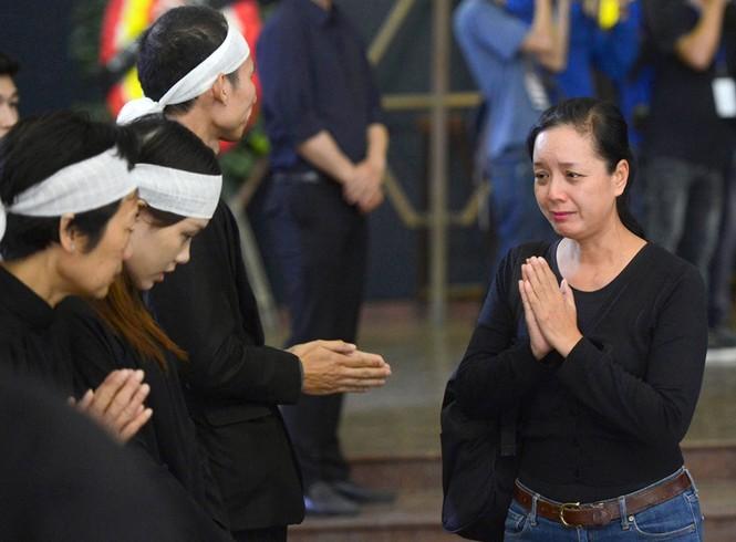 Gia đình, đồng nghiệp nghẹn ngào ở đám tang NSƯT Phạm Bằng - ảnh 7