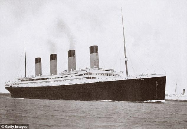 """Trung Quốc đóng tàu Titanic """"nhái"""" để hút khách du lịch - ảnh 2"""