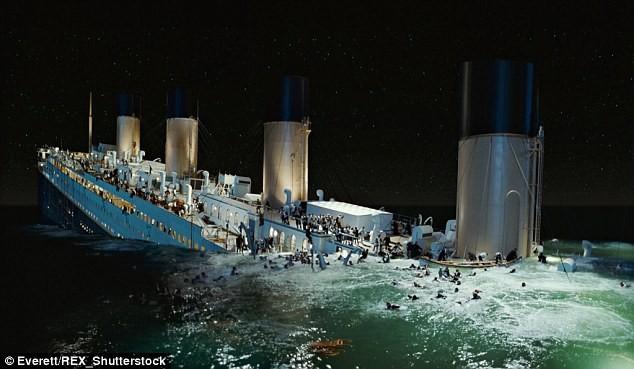 """Trung Quốc đóng tàu Titanic """"nhái"""" để hút khách du lịch - ảnh 6"""