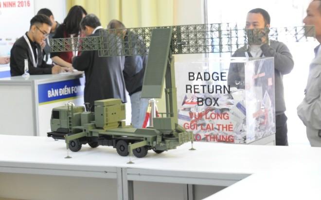 Dàn khí tài điện tử Mỹ, Pháp tối tân được trưng bày ở Hà Nội - ảnh 9