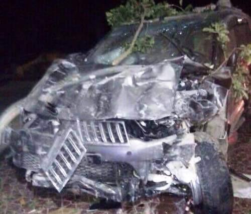 Hai thanh niên chết tại chỗ sau cú tông trực diện ôtô - ảnh 1