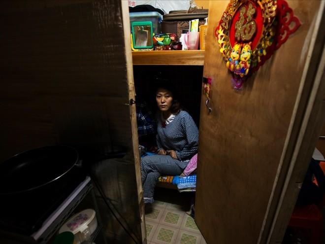 Những người phải đi nghiêng mới sống được trong nhà mình - ảnh 2