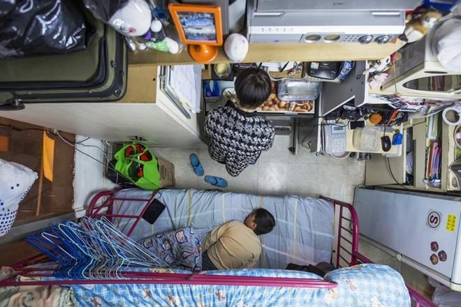 Những người phải đi nghiêng mới sống được trong nhà mình - ảnh 3