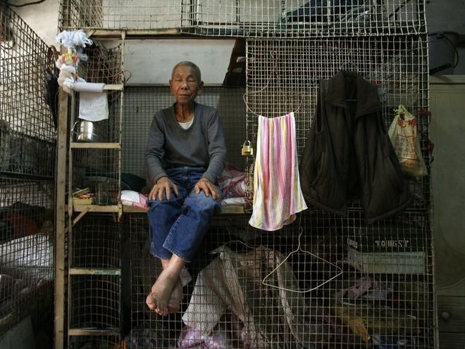 Những người phải đi nghiêng mới sống được trong nhà mình - ảnh 4