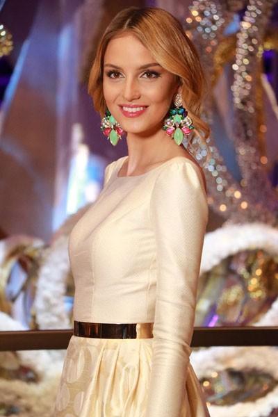 Người đẹp Hoa hậu Thế giới quyến rũ trong trang phục dạ hội - ảnh 2