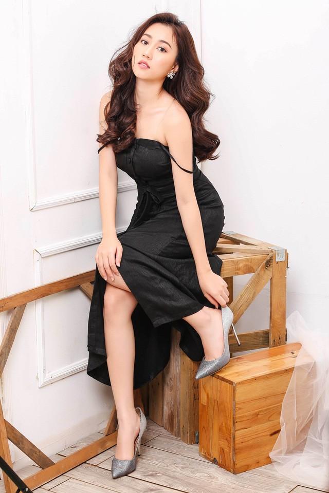 """Hot girl Huỳnh Hồng Loan """"lột xác"""" gợi cảm - ảnh 10"""