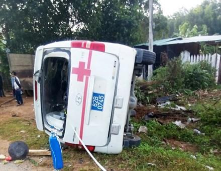 BẢN TIN ATGT: Nữ nhân viên ngân hàng bị xe bồn cán tử vong - ảnh 6