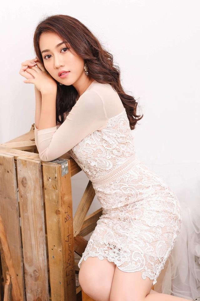 """Hot girl Huỳnh Hồng Loan """"lột xác"""" gợi cảm - ảnh 8"""