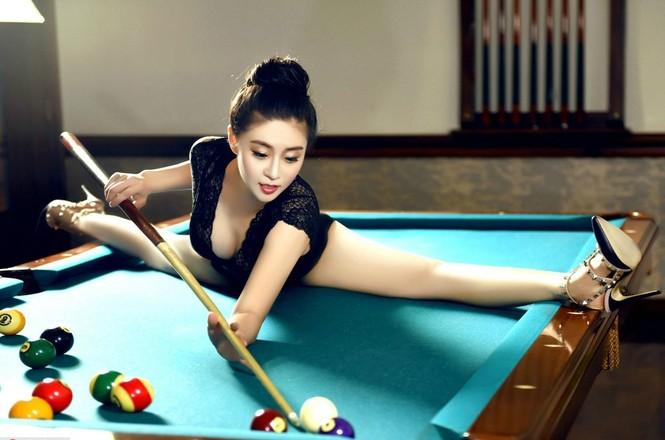 Cô gái được mệnh danh 'nữ thần uốn dẻo' tại Trung Quốc - ảnh 1