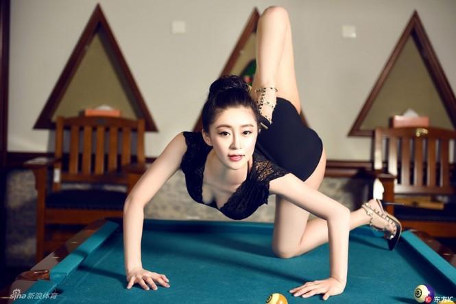 Cô gái được mệnh danh 'nữ thần uốn dẻo' tại Trung Quốc - ảnh 4