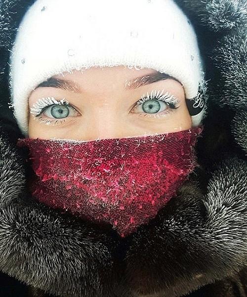 Râu tóc đóng băng trong giá lạnh kỷ lục -62 độ C ở Nga - ảnh 2