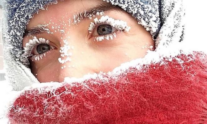 Râu tóc đóng băng trong giá lạnh kỷ lục -62 độ C ở Nga - ảnh 3