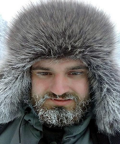 Râu tóc đóng băng trong giá lạnh kỷ lục -62 độ C ở Nga - ảnh 4