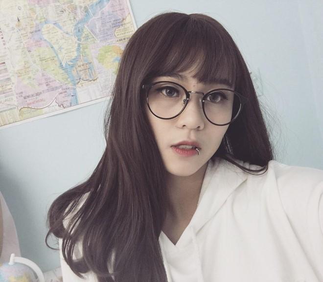 Vẻ đẹp của nữ game thủ Việt được YouTube trao nút bạc - ảnh 4