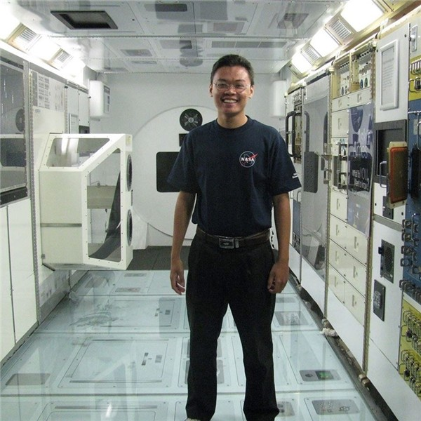 Từ số không đến siêu tiếng Anh của chàng trai Việt đầu tiên ở NASA - ảnh 1