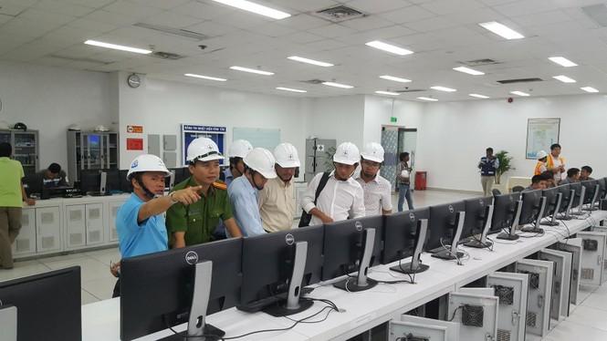 EVN mở cửa nhà máy nhiệt điện để người dân giám sát - ảnh 1