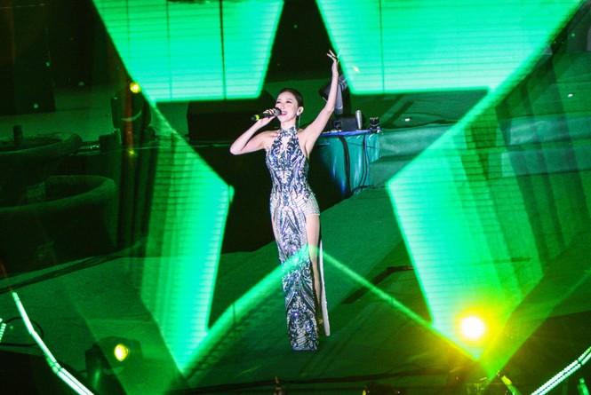 Mỹ Tâm, Nguyên Khang tạo kỷ lục trong đêm đón năm mới - ảnh 2