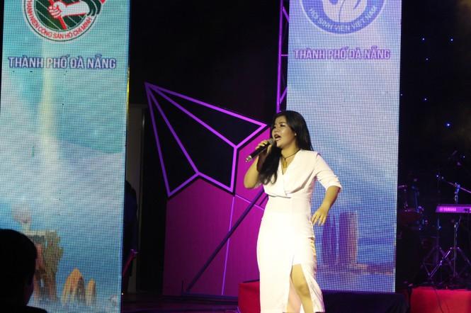 ca khúc,ca sĩ,sinh viên,tiếng hát,Đà Nẵng, Vicky Nhung - ảnh 8