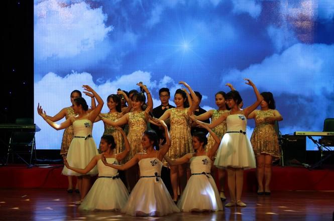 ca khúc,ca sĩ,sinh viên,tiếng hát,Đà Nẵng, Vicky Nhung - ảnh 9