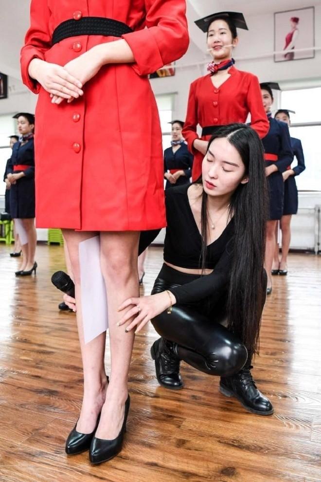 Bên trong lò đào tạo tiếp viên hàng không Trung Quốc - ảnh 8