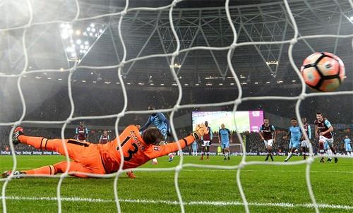 Man City giành chiến thắng năm sao ở FA Cup - ảnh 1