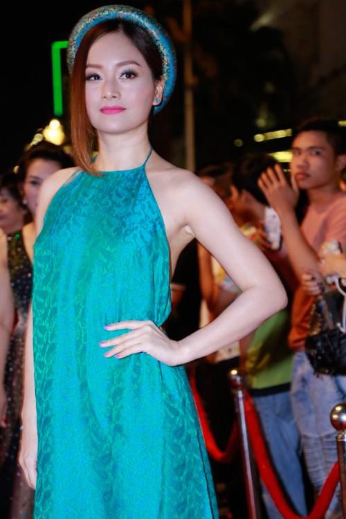Dàn mỹ nhân Việt 'đổ bộ' thảm đỏ lễ trao giải điện ảnh - ảnh 4