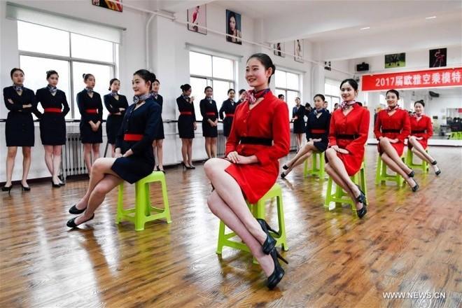 Bên trong lò đào tạo tiếp viên hàng không Trung Quốc - ảnh 5