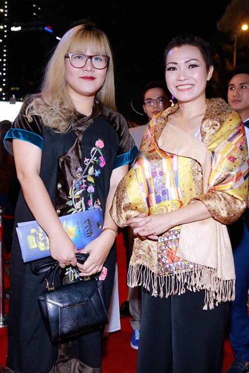 Dàn mỹ nhân Việt 'đổ bộ' thảm đỏ lễ trao giải điện ảnh - ảnh 9