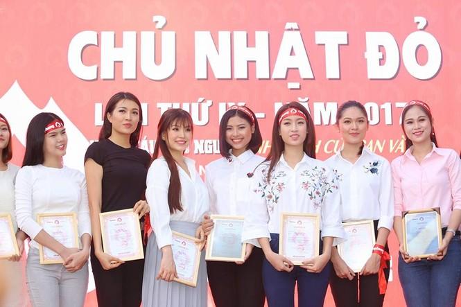 Chủ Nhật Đỏ 2017, Báo Tiền Phong - ảnh 24