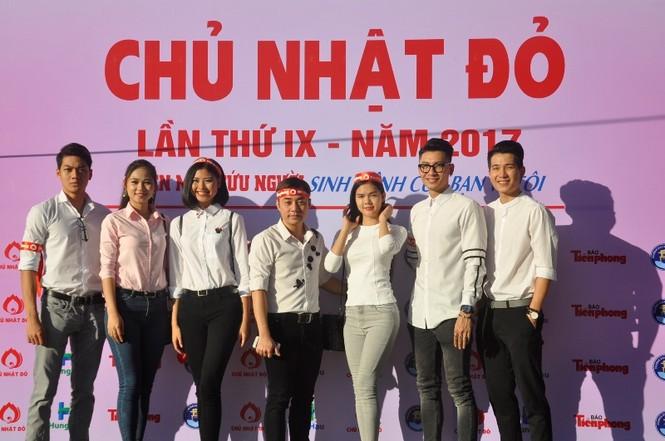 Chủ Nhật Đỏ 2017, Báo Tiền Phong - ảnh 69