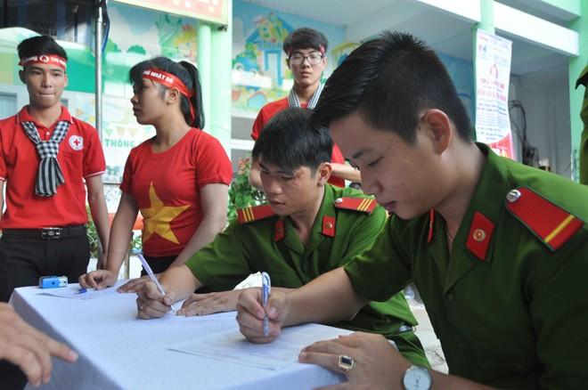 Hoa hậu Đại Dương, Top 10 HHVN hiến máu ở Cần Thơ - ảnh 7