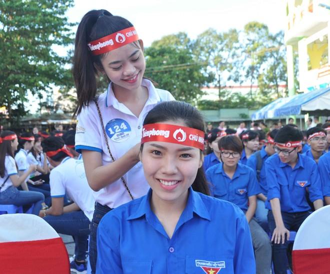 Hoa hậu Đại Dương, Top 10 HHVN hiến máu ở Cần Thơ - ảnh 1