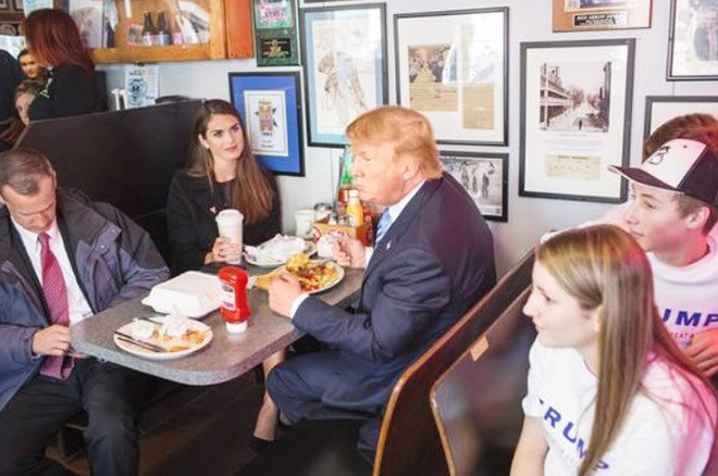 Nữ giám đốc truyền thông bí ẩn của Trump ở Nhà Trắng - ảnh 2