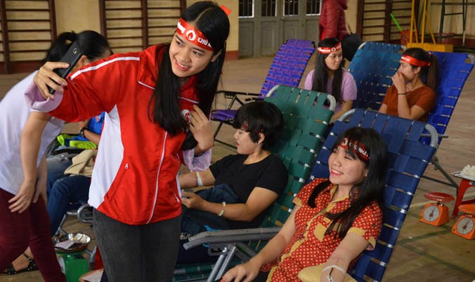 Gần 500 sinh viên Trường CĐSP Đắk Lắk đi hiến máu - ảnh 5