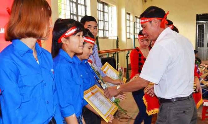 Gần 500 sinh viên Trường CĐSP Đắk Lắk đi hiến máu - ảnh 9