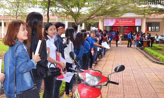 Gần 500 sinh viên Trường CĐSP Đắk Lắk đi hiến máu - ảnh 4