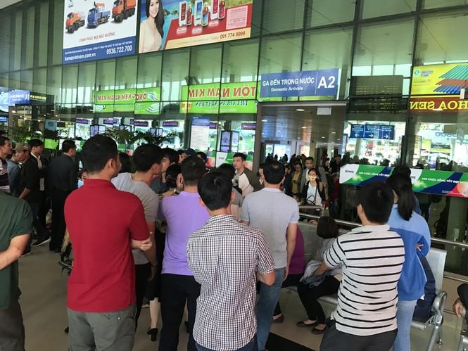 Bến xe, ga Sài Gòn vắng khách, sân bay chật kín người - ảnh 18