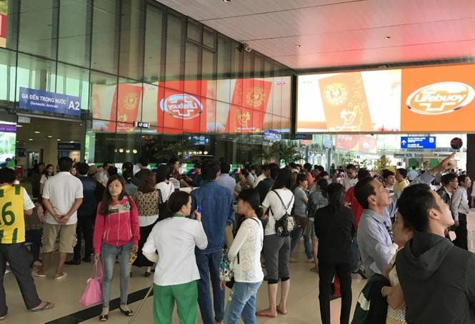 Bến xe, ga Sài Gòn vắng khách, sân bay chật kín người - ảnh 19