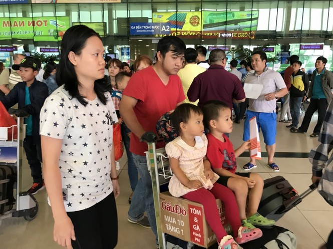 Bến xe, ga Sài Gòn vắng khách, sân bay chật kín người - ảnh 20