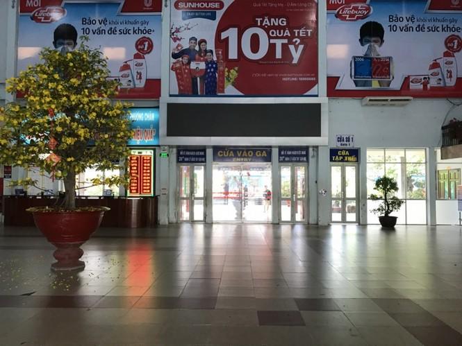 Bến xe, ga Sài Gòn vắng khách, sân bay chật kín người - ảnh 4